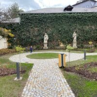 Článek o naší zakázce – Obnova zahrady Dominikánského kláštera v Českých Budějovicích
